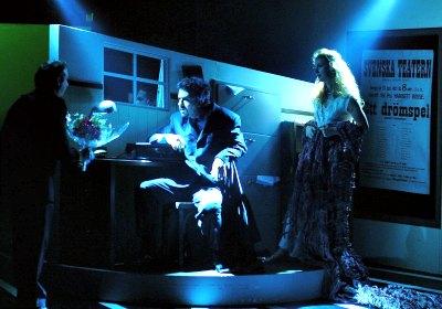 Cena da peça dirigida por André Guerreiro Lopes